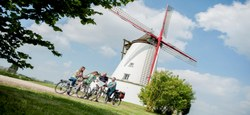 Topoguide : 8 circuits à vélo en Vallée de Dendre